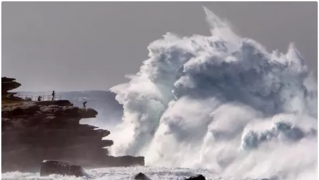 huge waves in Australia